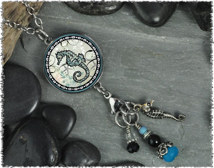 Seahorse Reversible Circular Charm & Bead Pendant