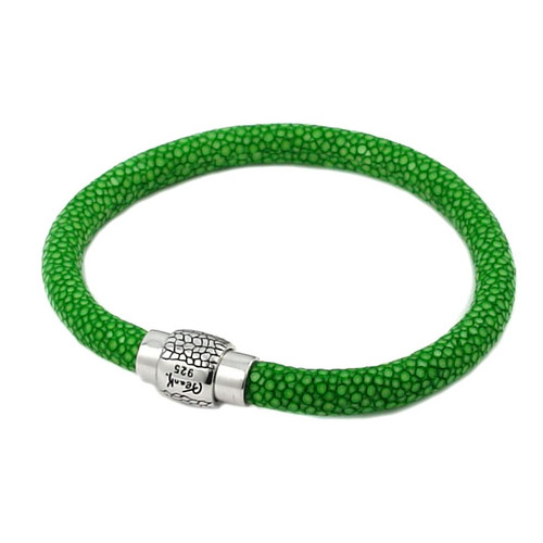 LIGHT GREEN STINGRAY LEATHER BRACELET WITH MAGNETIC LOCK