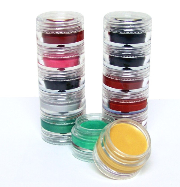 Our portable, stackable interlocking jars make it easy to bring along for quick touch-ups.