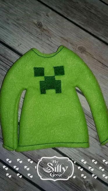 5x7 Elf Sweater Rounded Creepy Guy