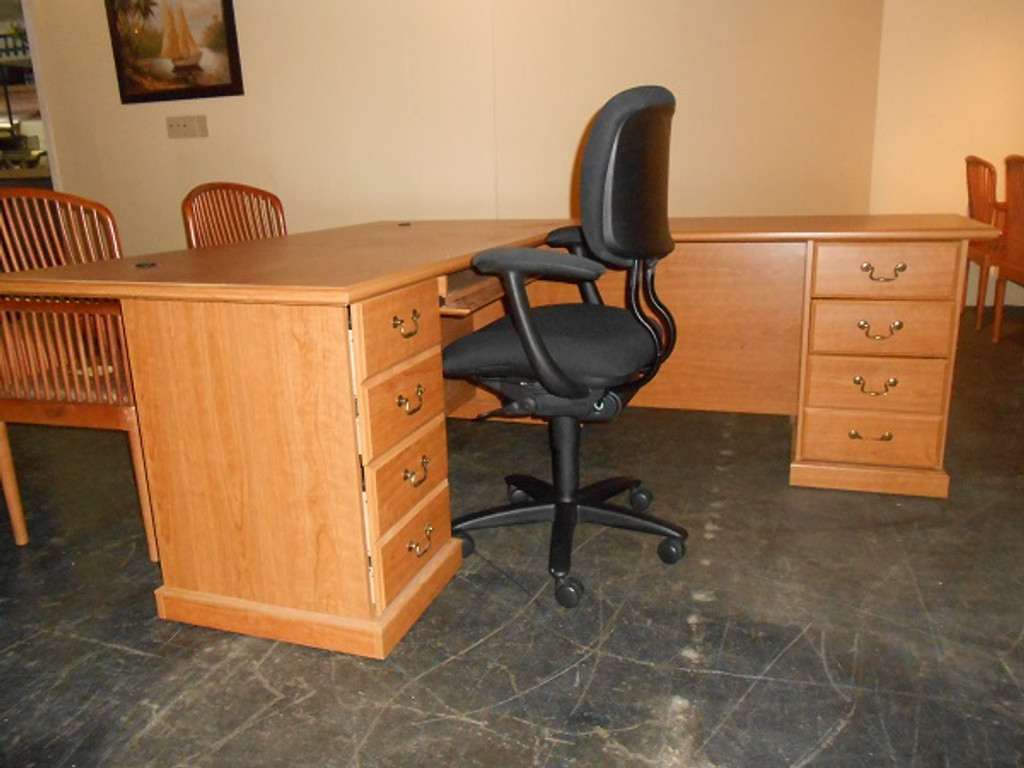 Used Traditional Executive L Shape Desk 36u0027x42u0027/ Return ...