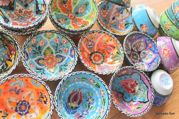 Riots of colour in the 7cm Wavy Kabartma bowls - hand made and hand painted in Turkey.
