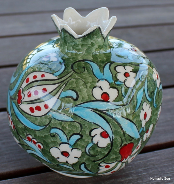 Pomegrantes - Large