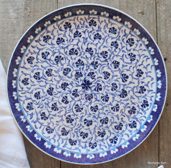 Set includes 30cm Diameter Serving Plate.  Hand painted in Turkey.