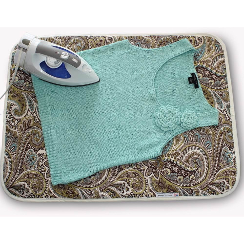 Quick and easy solution for ironing at home or when you travel.