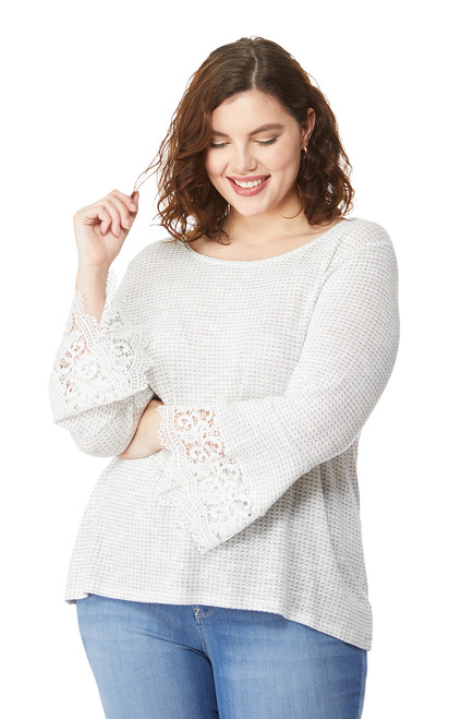 Plus Size Lace Trim 3/4 Sleeve Top In Grey Violet