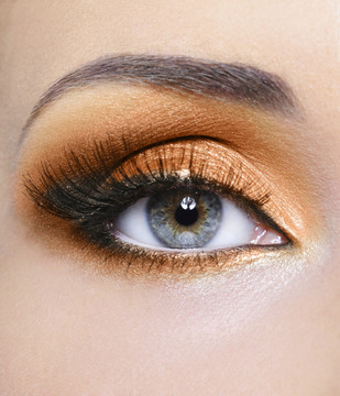 Sheer Miracle Pure Mineral Eye Shadow in Bronze