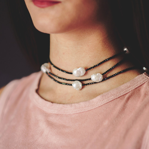 Black Spinel and White Baroque Pearl Lariat