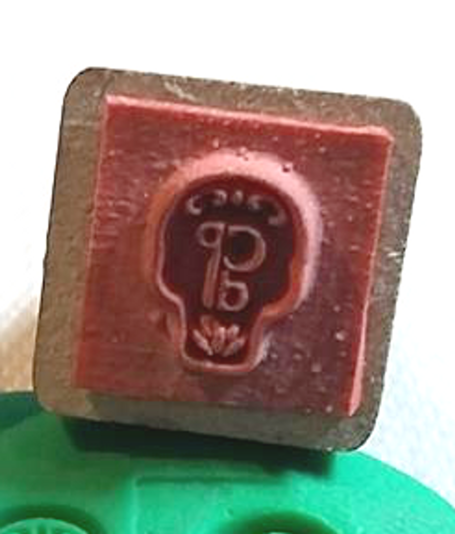 Rubber stamp head - best for using with paper and card