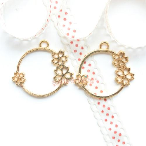 Sakura Circle Ring Bezel Gold Charm - 3 pieces