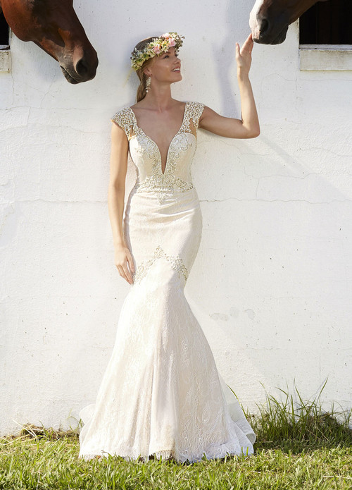 Ashley & Justin Wedding Dress 10473