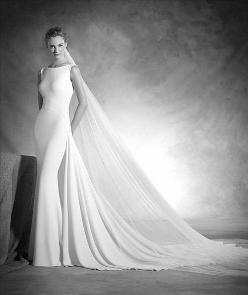Atelier Pronovias Wedding Dress Niza