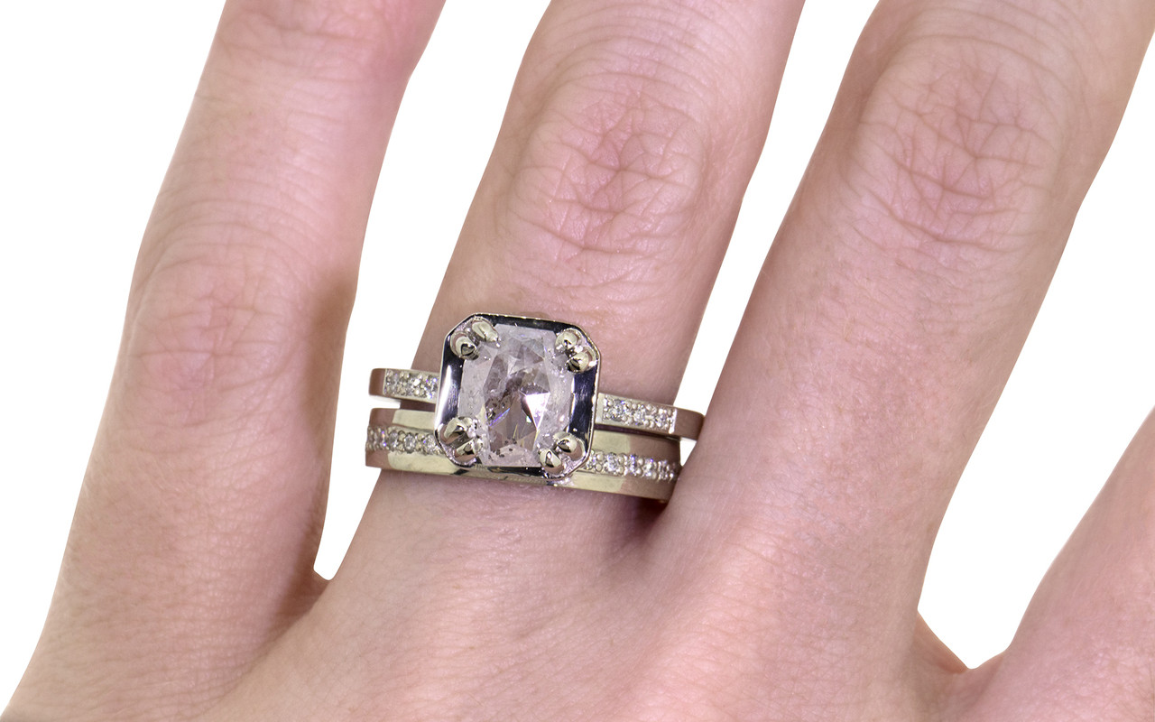 MAROA Ring in White Gold with 1.40 Carat Icy White Diamond