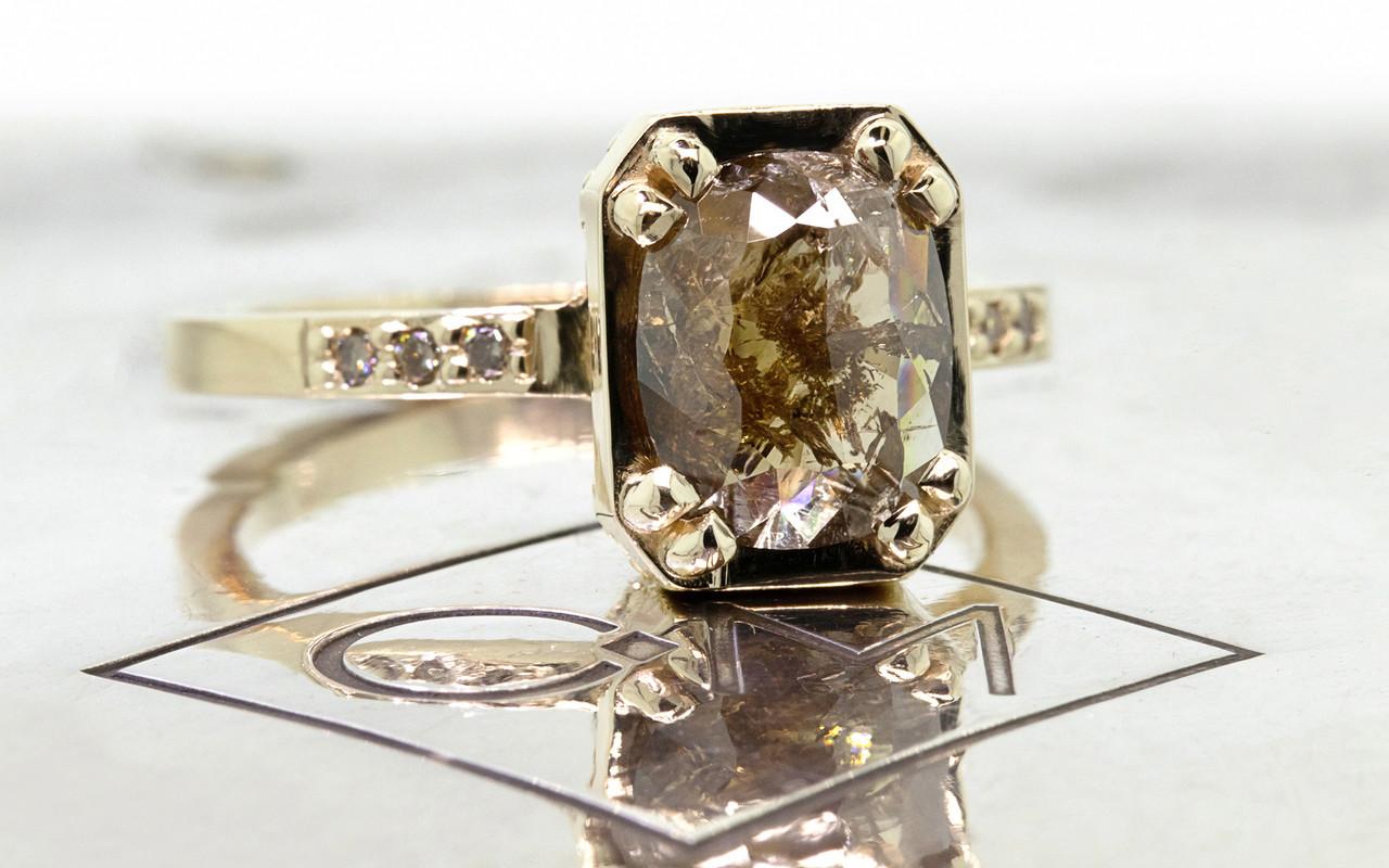 MAROA Ring in Yellow Gold with 1.58 Carat Cocoa Diamond