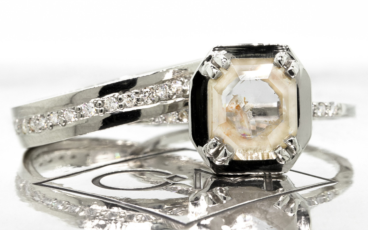 MAROA Ring in White Gold with 1.29 Carat Beige and White Diamond