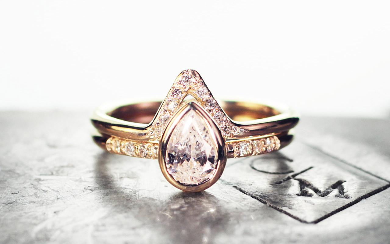 Pear White Diamond Wedding Set