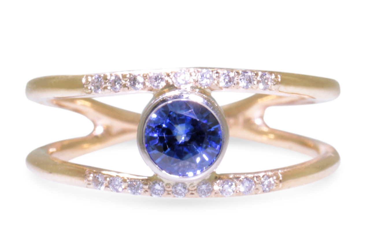 .82 Carat Blue Sapphire Ring with Double Gold Band