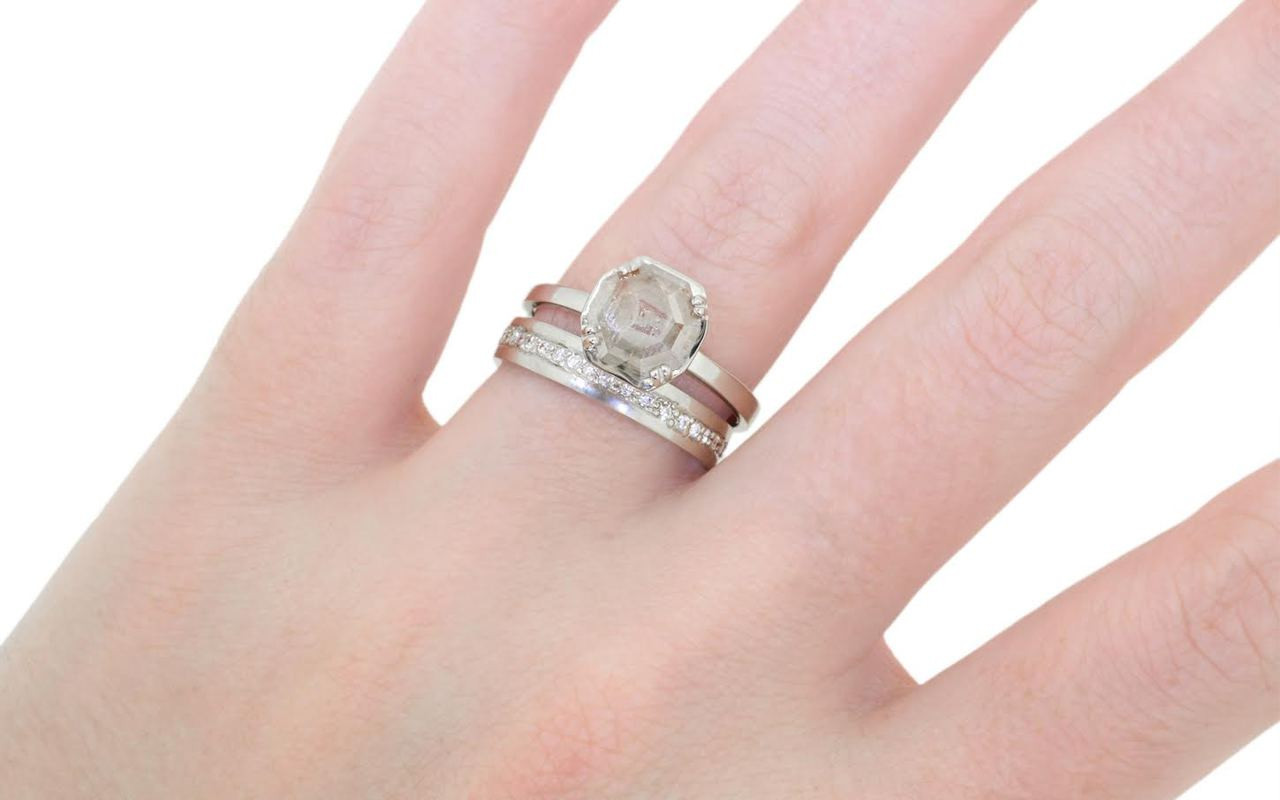 MAROA Ring in White Gold with .98 Carat Gray and White Diamond