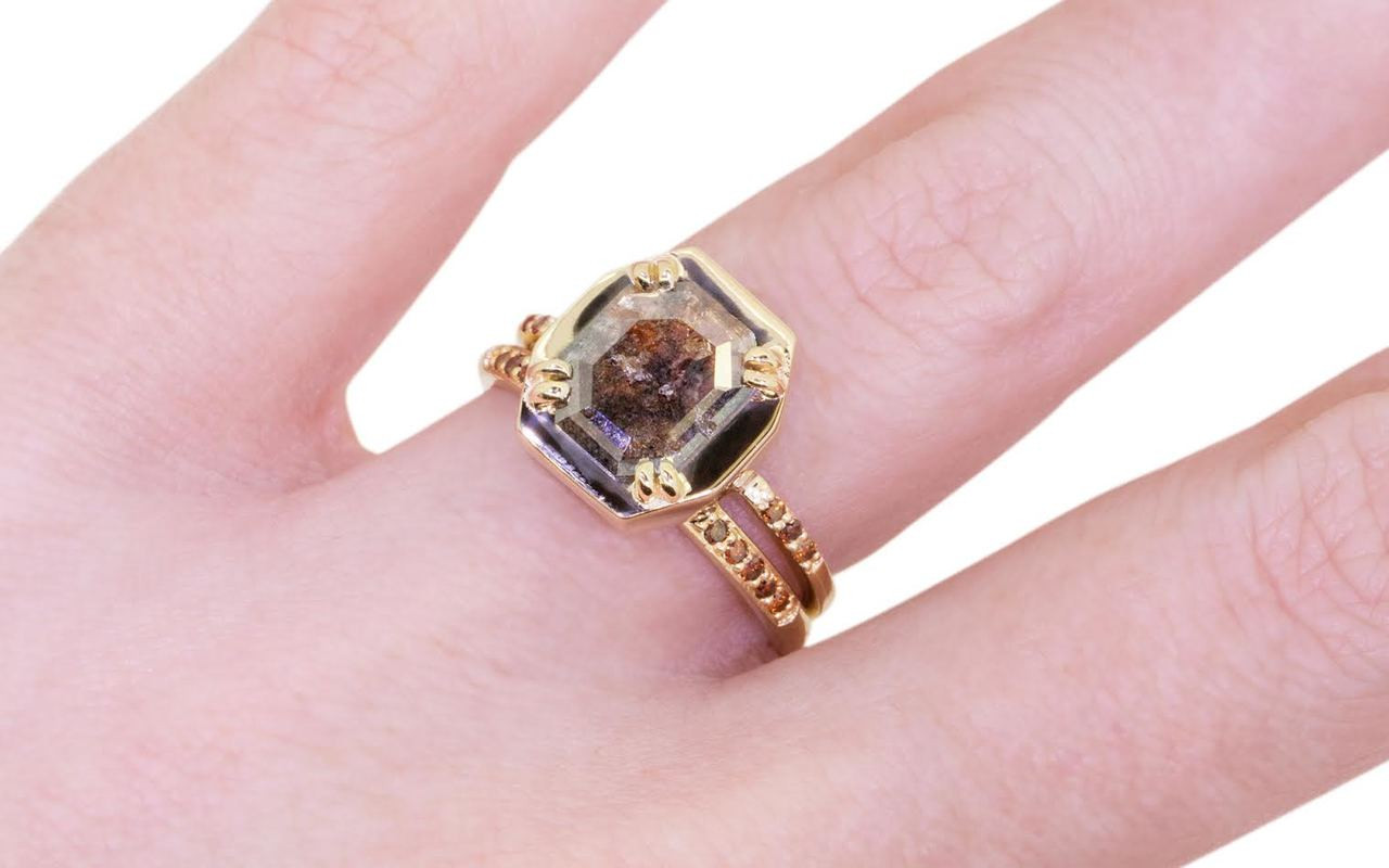 AIRA Ring in Yellow Gold .91 Carat Cognac and White Diamond