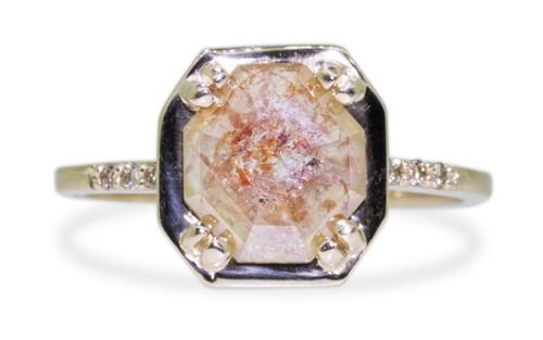 MAROA Ring in Yellow Gold with 1.03 Carat Peach Diamond