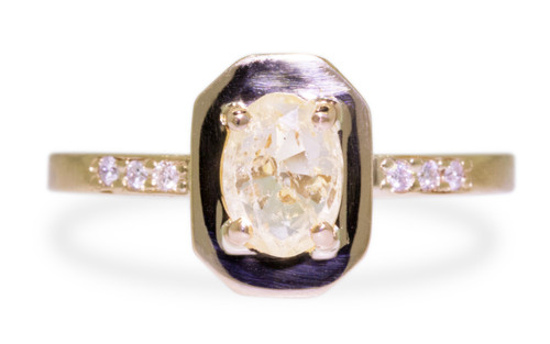 KIKAI Ring in Yellow Gold with .96 Carat Yellow Sapphire