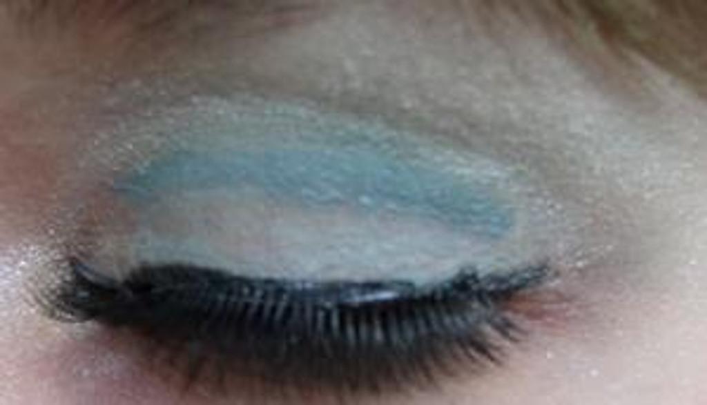 Pressed Vegan Mineral Eyeshadow - Green Ice Storm