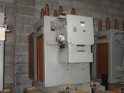 AM-13.8-500H-4 GE Magne-Blast 1200A 15KV Air Circuit Breaker