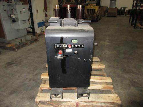 AM-2.4/4.16 100/150 GE Magne-Blast 1200A 4.76KV Air Circuit Breaker