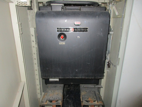 AM-13.8-150-2 GE Magne-Blast 1200A 15KV Air Circuit Breaker (In Structure)