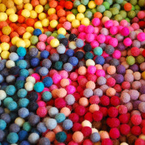 1cm Felt Balls