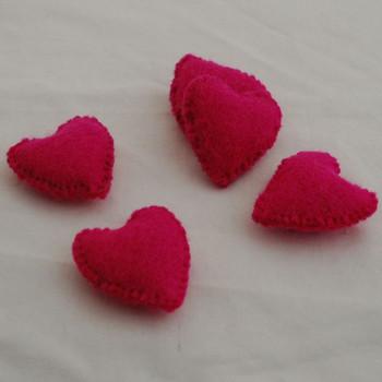 100% Wool Felt Fabric Hand Sewn / Stitched Felt Heart - 2 Count - approx 5.5cm - Fuchsia Pink