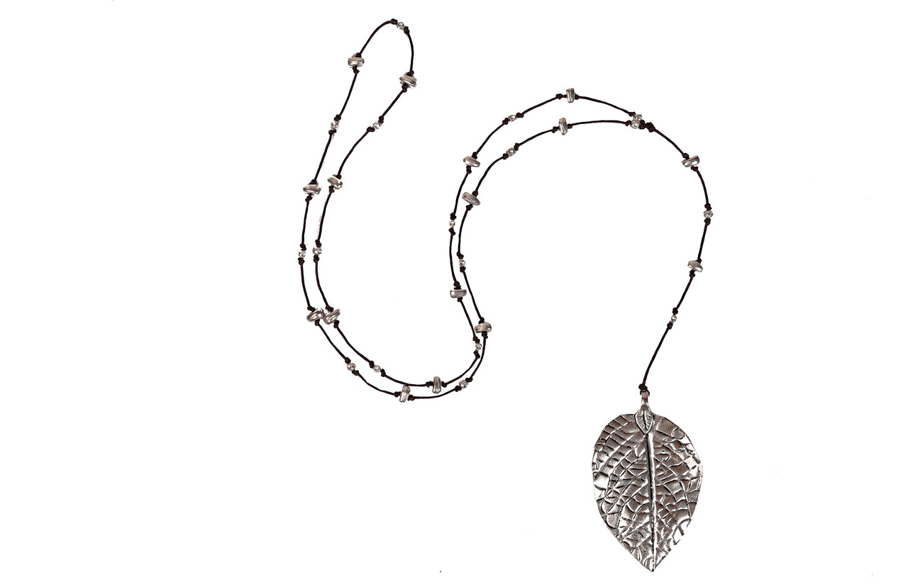 leaf pendant shell apricot necklace