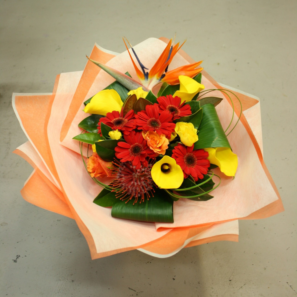 Dreaming of  a tropical paradise, the cuba bouquet will brighten up anyone's day