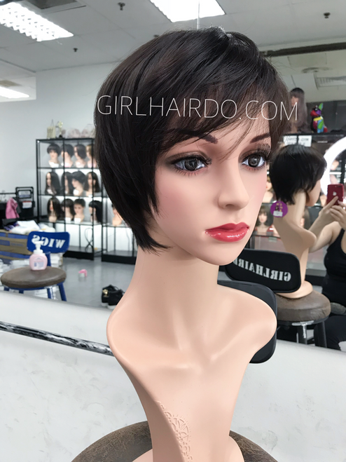#8651 lightweight natural short wig