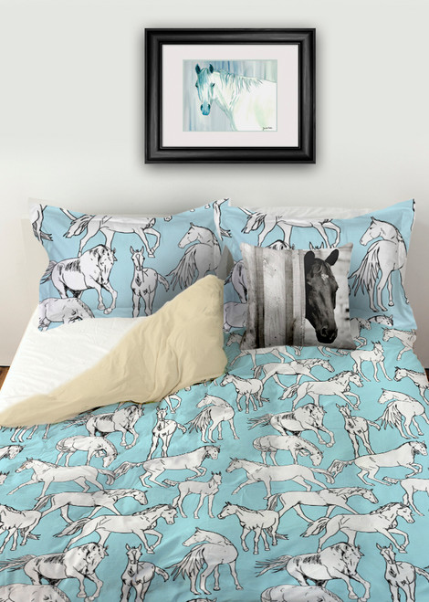 Blue and white Equestrian themed horse lover duvet bed set.