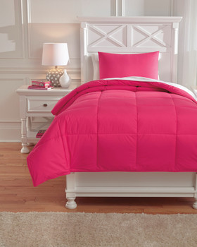 Plainfield Magenta Top of Bed Set