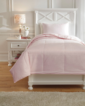 Plainfield Soft Pink Top of Bed Set