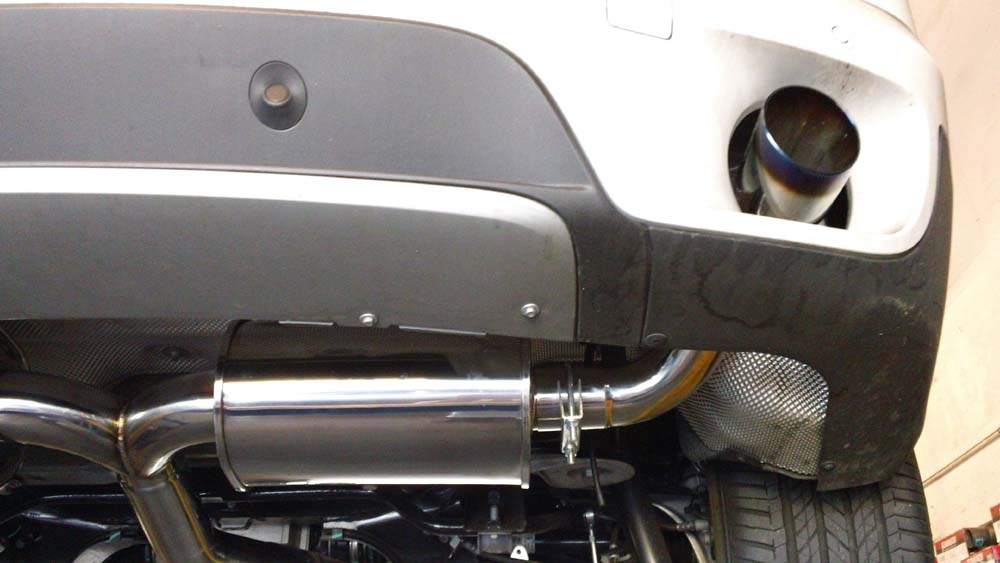 megan-racing-07-13-bmw-x5-v6-stainless-rolled-tip-axle-back-exhaust-burnt.jpg