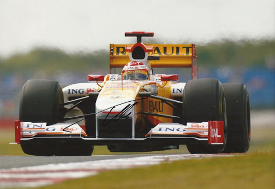 Fernando Alonso Signed Photograph 2009