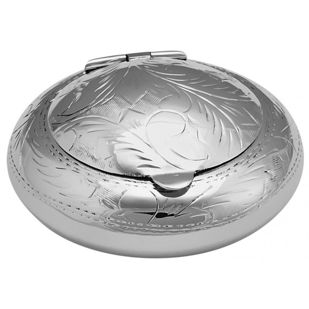 Hand engraved Victorian pattern round pocket ashtray