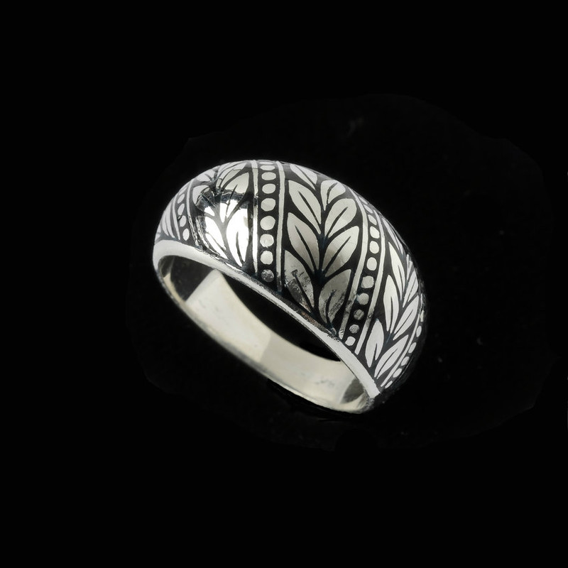 Laurel Leaf Enamel Dome Ring in Sterling Silver by Bowman Originals, USA