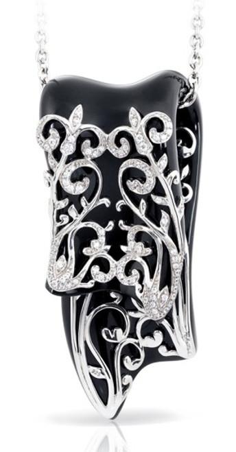 Belle Etoile Anastacia Black Pendant