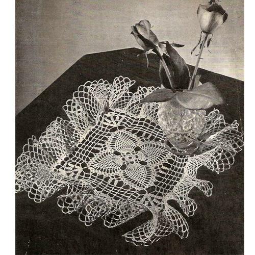 Square Pineapple Trellis Crochet Doily Pattern