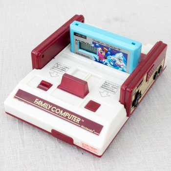 Nintendo Famicom Type Figure Alarm Clock Ice Clibmer Ver. Banpresto JAPAN
