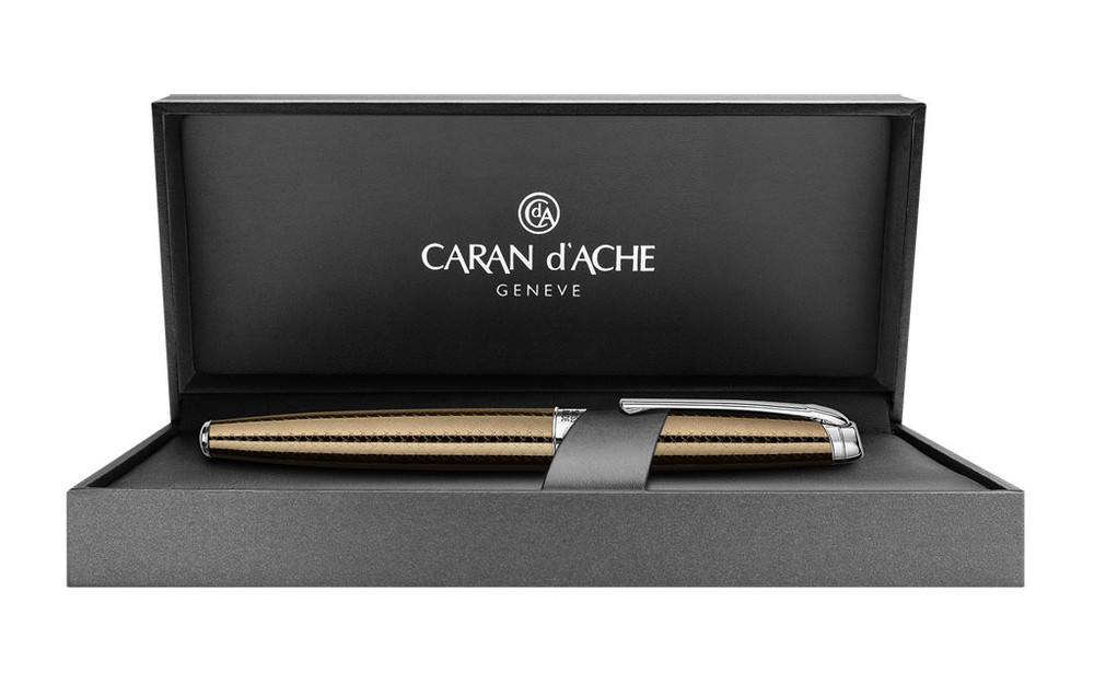 Caran d'Ache Leman Caviar Fountain Pen Medium