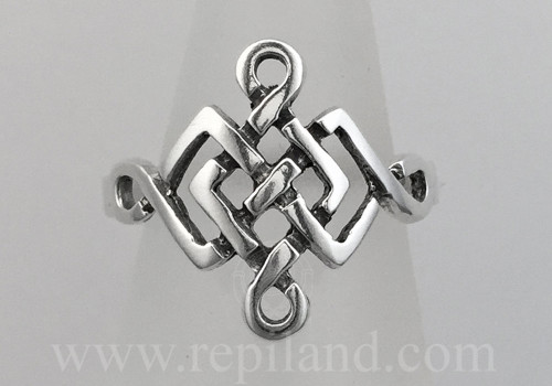 Crisial Ring top view, angular knotwork with loops on edges.