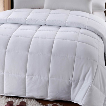 White-Down-Alternative-Comforter-closeup