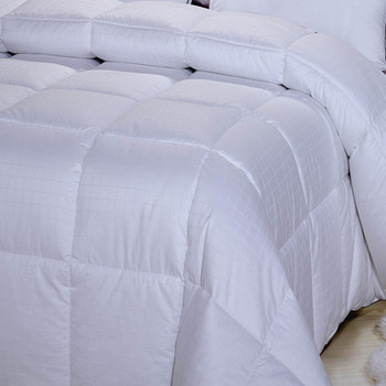 100-Cotton- Dobby-White-Down-Alternative-Comforter-closeup