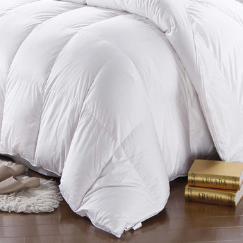 600-Thread-Count-White-Goose-Down-Comforter-Oversize-closeup
