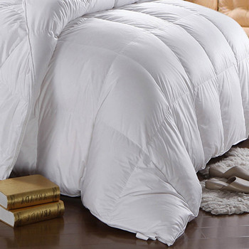 750-Fill-Power-White-Goose-Down-Cotton-Comforter-Oversized-closeup